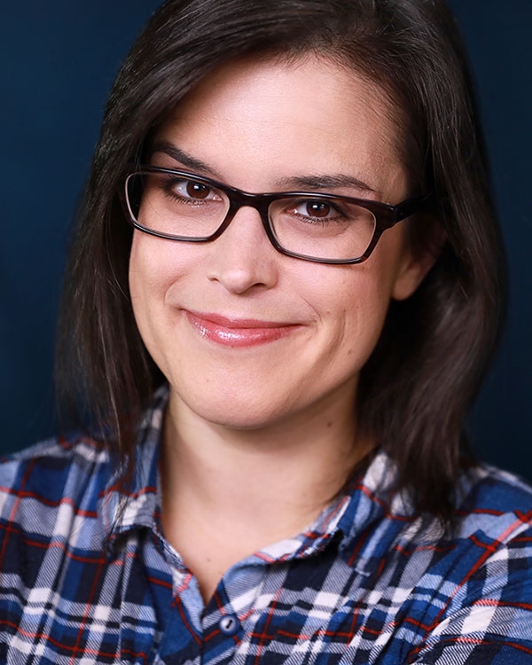 Rochelle Muzquiz headshot with glasses